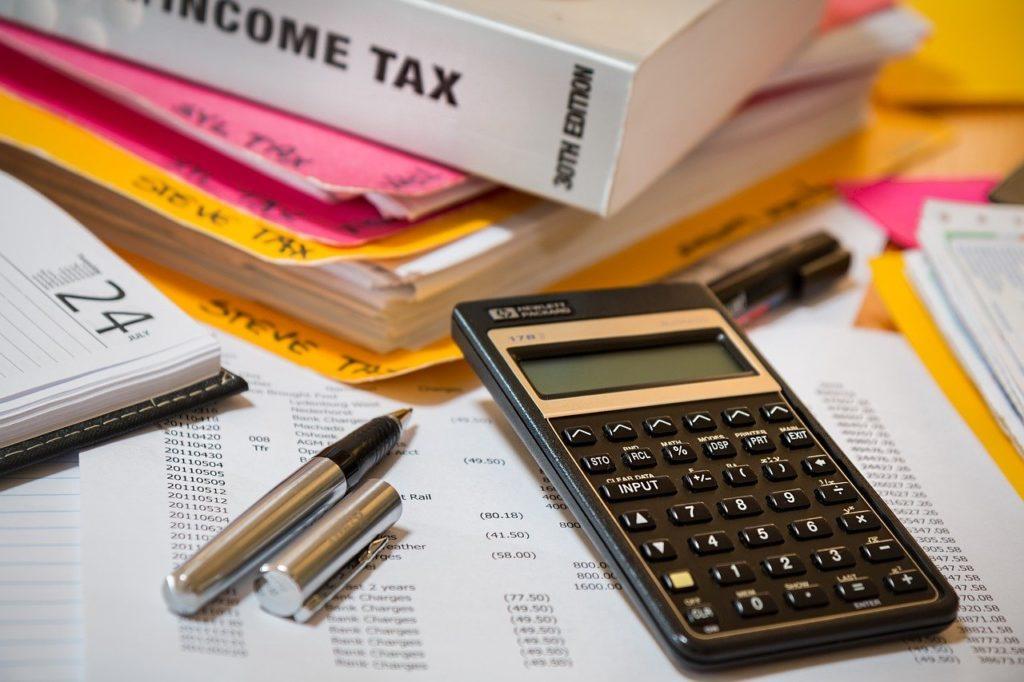 Główny ekonomista KIG na temat opodatkowania pracy oraz uszczelniania podatków