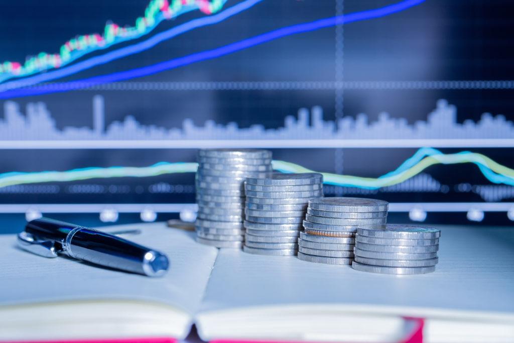 Depozyty i kredyty w końcu maja