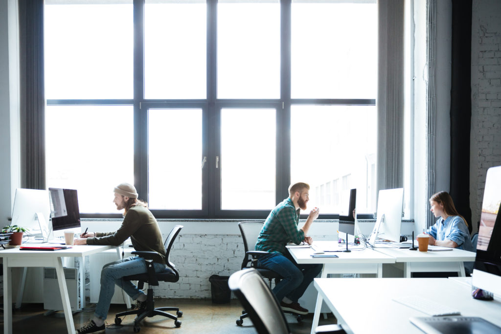Zatrudnienie i płace w sektorze przedsiębiorstw w maju 2021