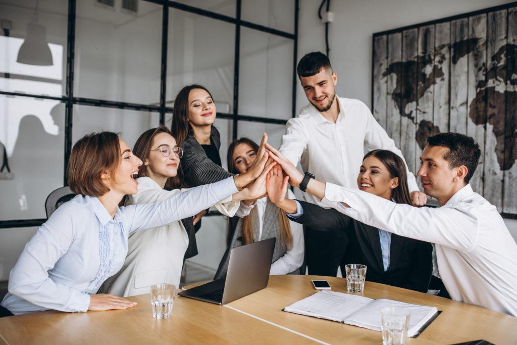 Zatrudnienie i płace w sektorze przedsiębiorstw w czerwcu 2021